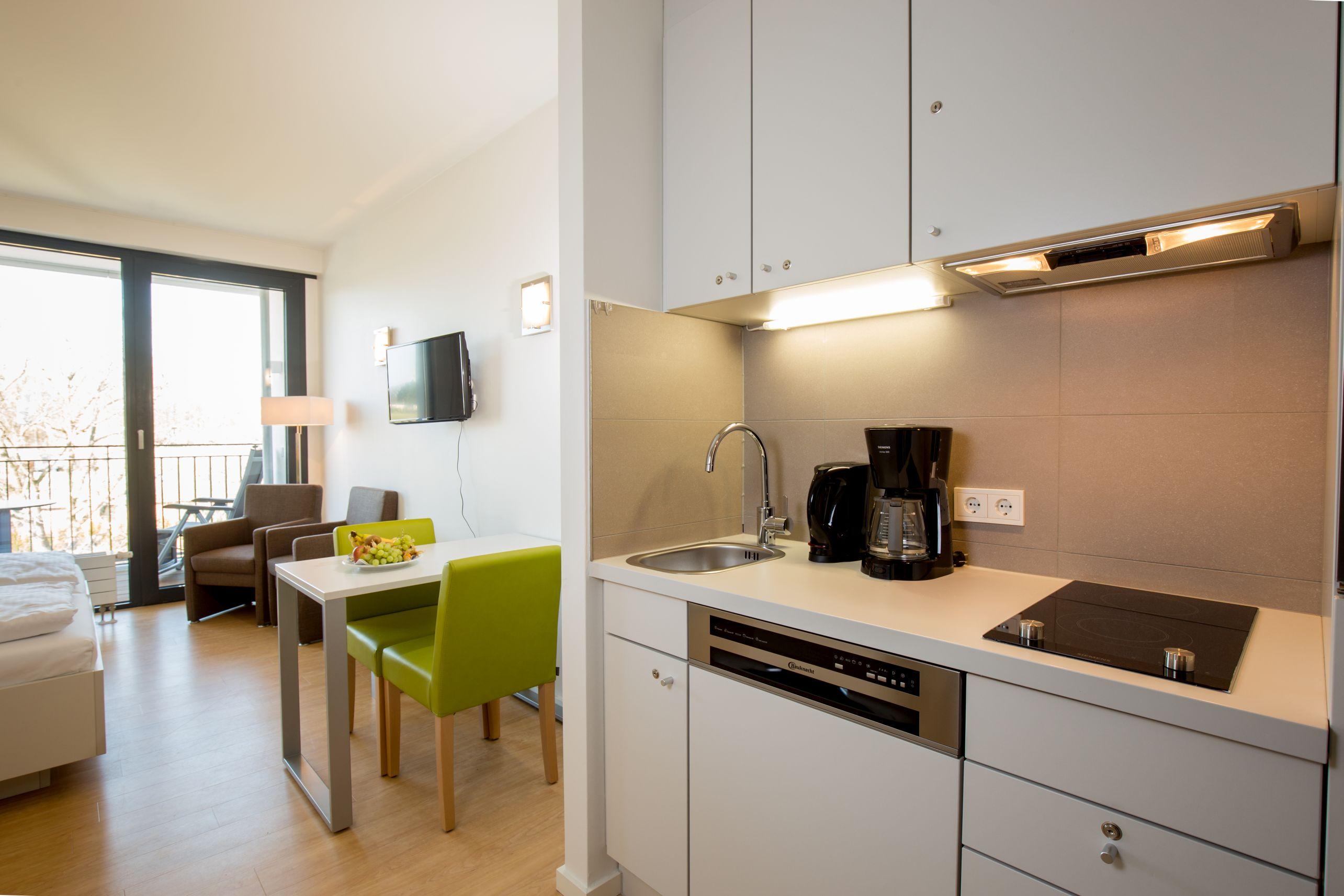 studios with hotelservice carat residenz. Black Bedroom Furniture Sets. Home Design Ideas