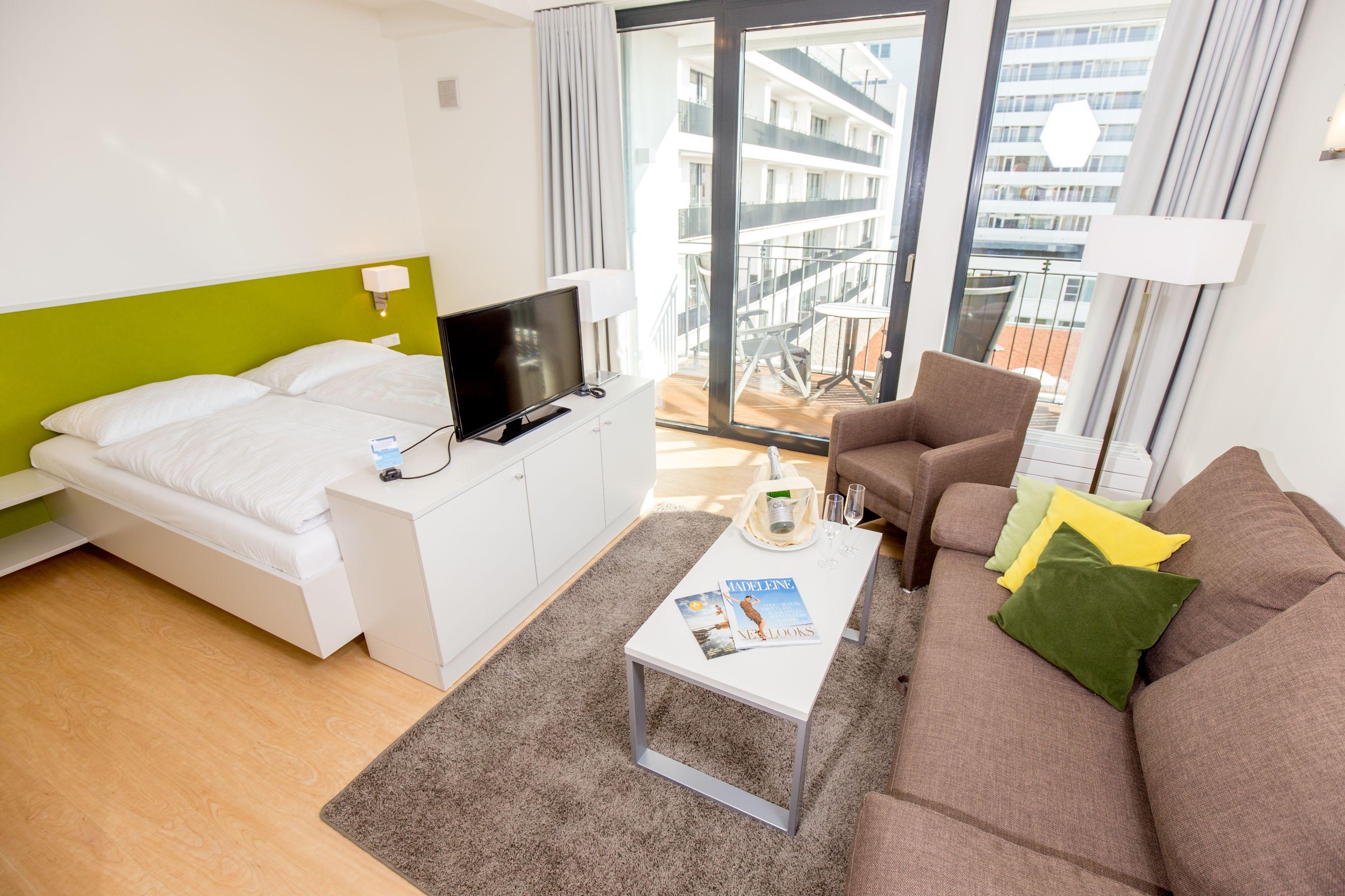 1 zimmer apartments carat residenz. Black Bedroom Furniture Sets. Home Design Ideas